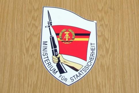 STASI-Agenten müssen aus Dienst entlassenwerden
