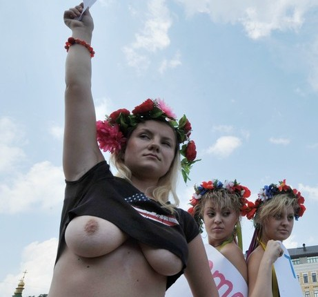 FEMEN TV – ToplessJihad from Paris