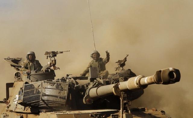 Israeli Tanks on Golan Heights 1967 640x392_18610_247708